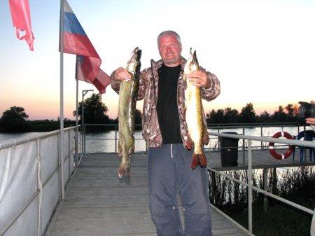 Поздравляем всех любителей рыбалки с наступлением осени!